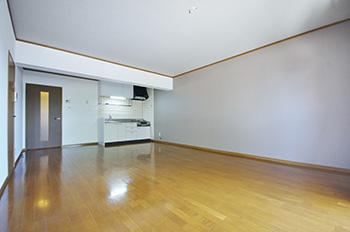 サンライズガーデン201号室
